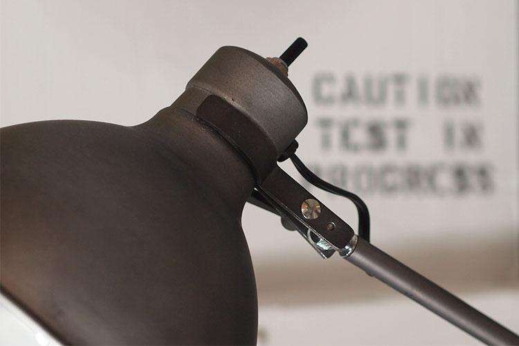 ソーホーフロアランプAW-0294 アートワークスタジオ 照明細部のイメージ