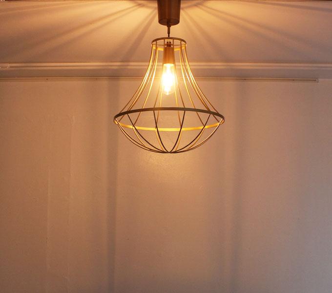 LEDランプ(60W相当の明るさ) 使用時
