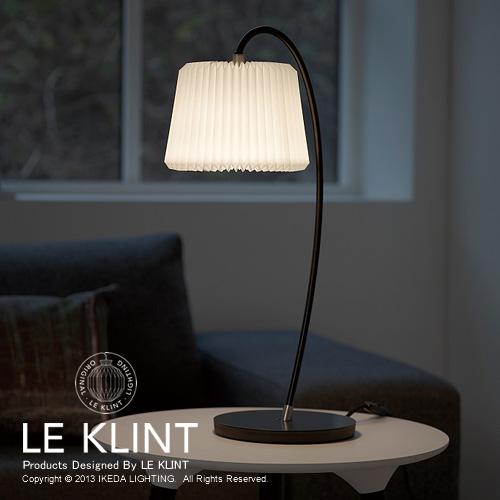 LE KLINT スノードロップ320Bテーブルランプ照明イメージ